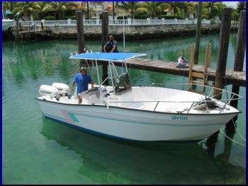 Lil b fishing freeport bahamas fishing tours grand bahama for Freeport fishing boats